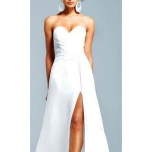 Brand new Faviana prom gown